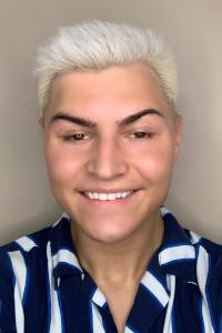 Salon Mode Staff Member